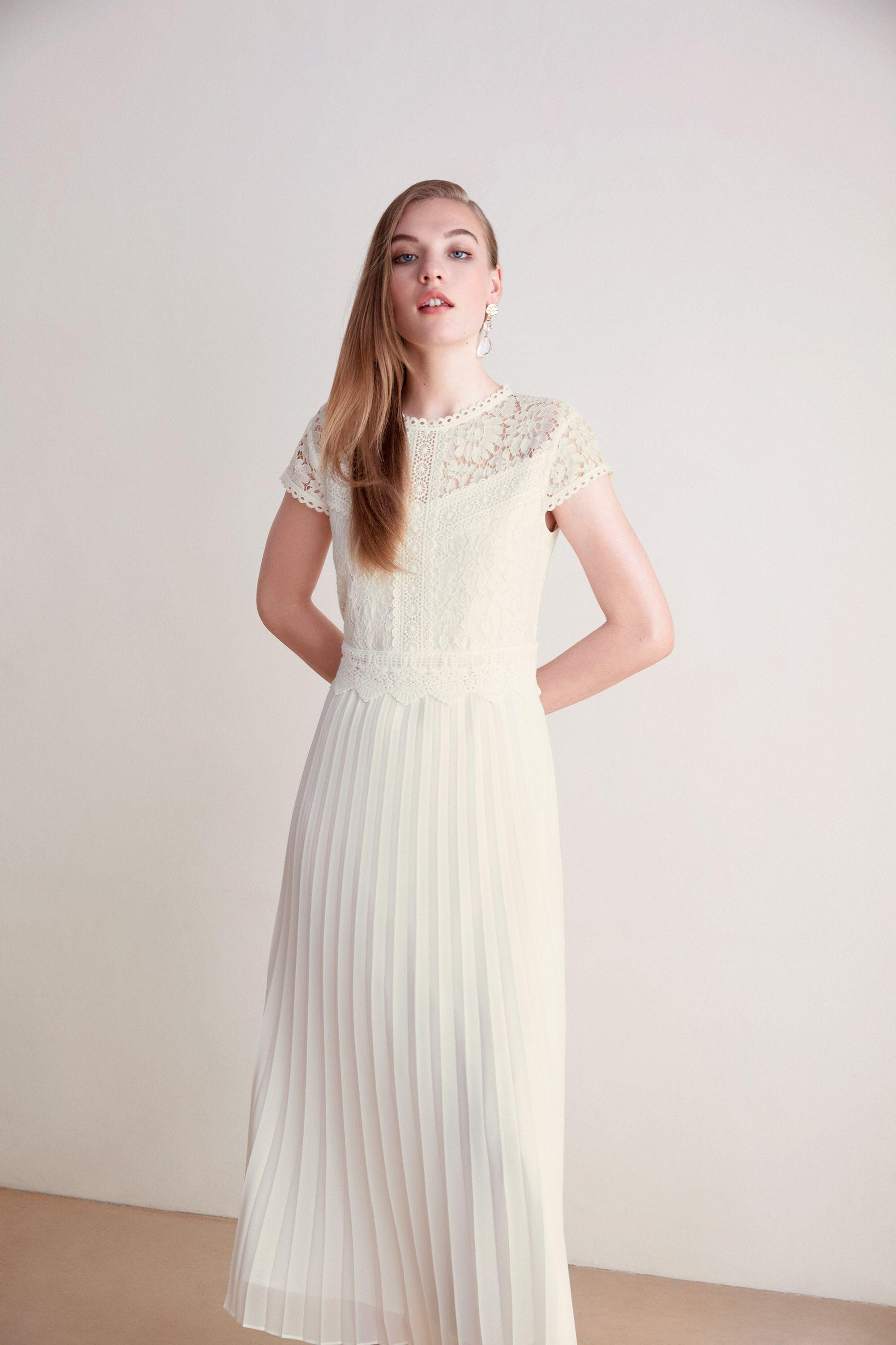 midikleid aus spitze und plissee | plissee kleid, kleid mit