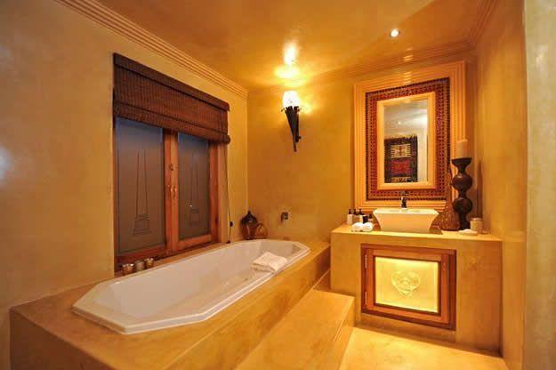 egyptian bathroom | egypt suite | amanzi lodge and restaurant
