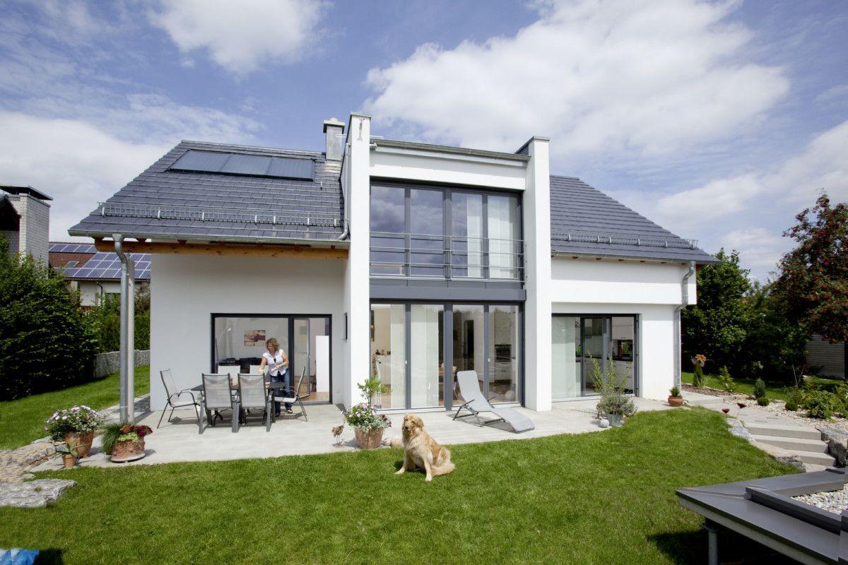 Satteldach Haus Mit Querhaus Baumeister Haus Leitner Massivhaus Jpg Baumeister Haus