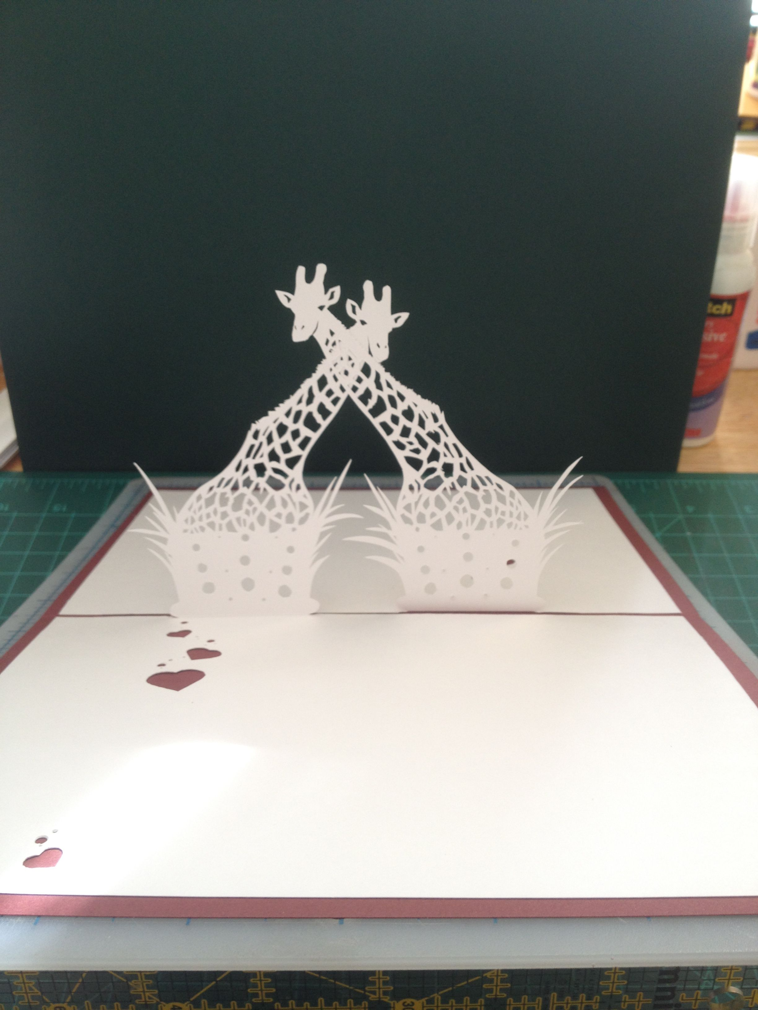 Giraffe Pair Pop Up Card Template From Cahier Kirigami Harmonies Couleurs Kirigami Patterns Pop Up Card Templates Kirigami