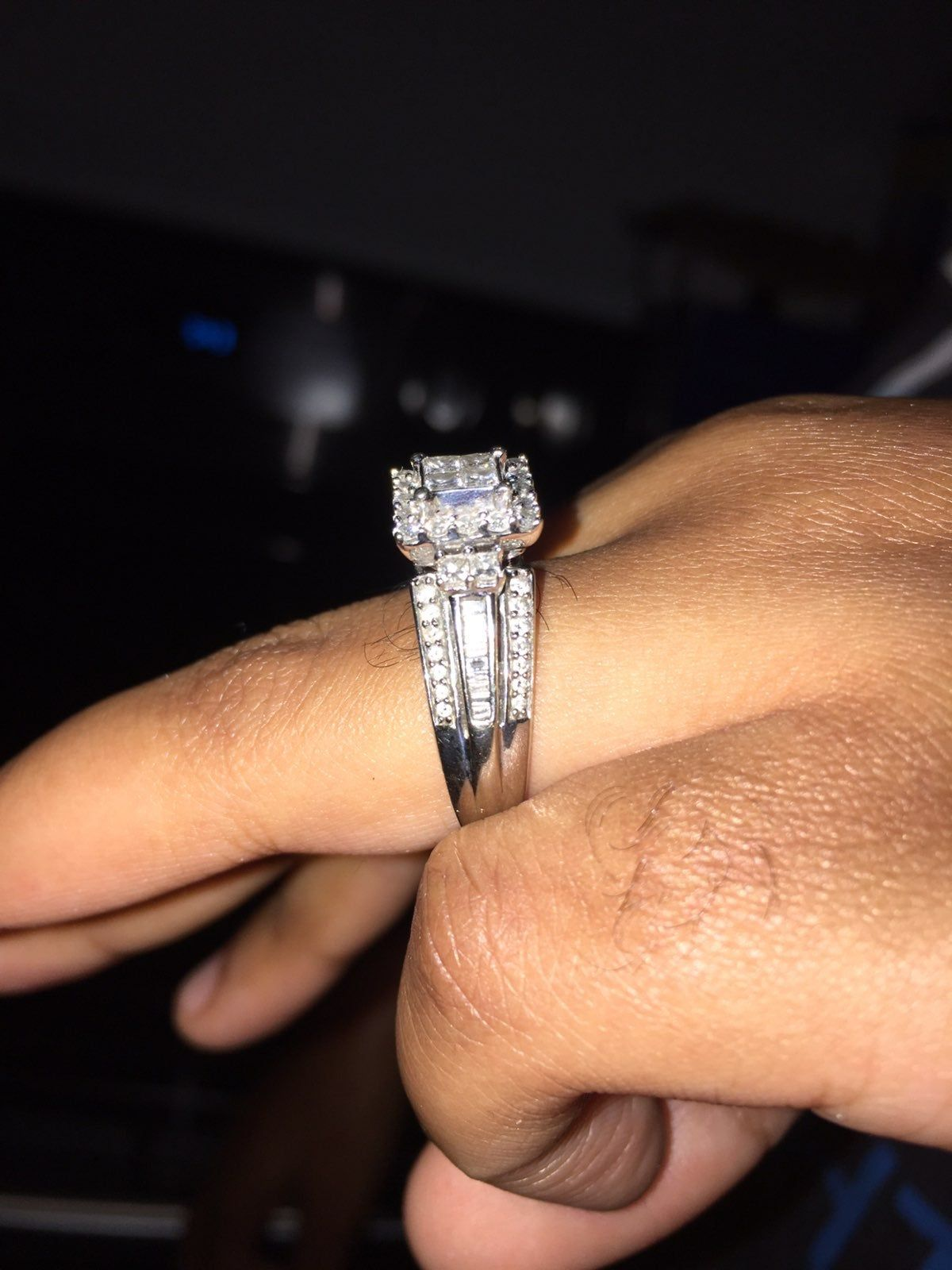 10kwg Diamond Ring Size 8 This Ring Has 1ct Worth Of Flawless Diamonds And Was Recently Purchased From Zales In Sept White Gold Rings Rings Flawless Diamond
