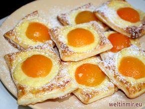 Ganz einfach und schnell. Leckere Kuchen aus Blätterteig mit Vanillepudding und Marillen. #recipeforpuffpastry