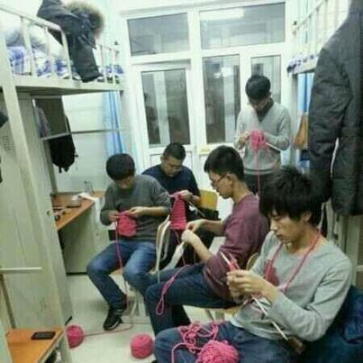 men knitting