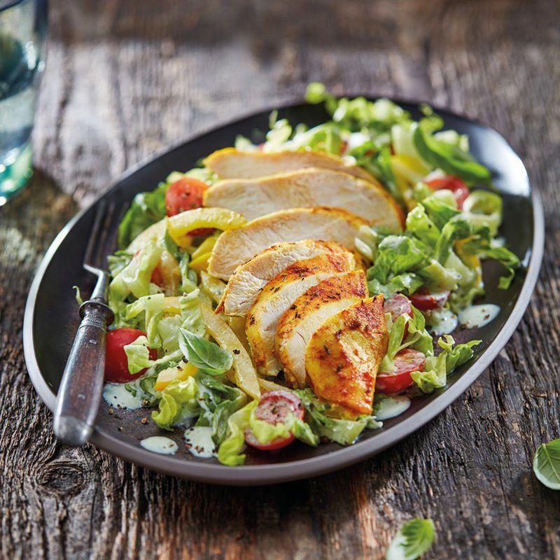 Gewürzhähnchen aus dem Ofen mit Salat Rezept | WW Deutschland #dietmenu