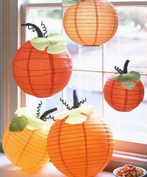 Turn paper lanterns into pumpkins Paper lanterns, DIY Halloween - halloween diy crafts