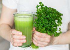 Elimine o mau cheiro bucal e corporal tomando este suco natural