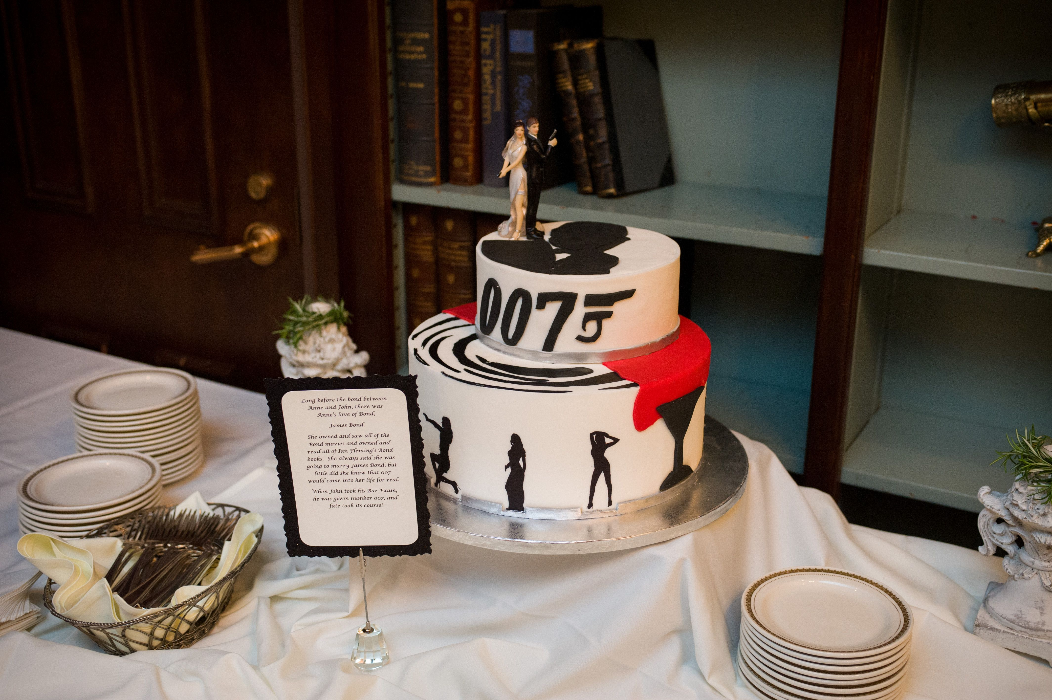 James Bond Grooms Cake Photo By Feehly Photography Www