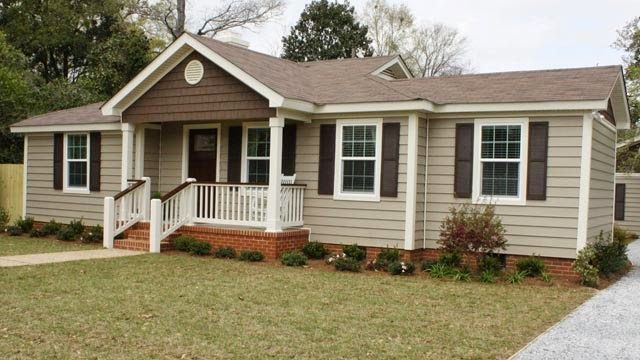 Vinyl siding is a popular choice for homeowners who want for Vinyl siding ideas for ranch style