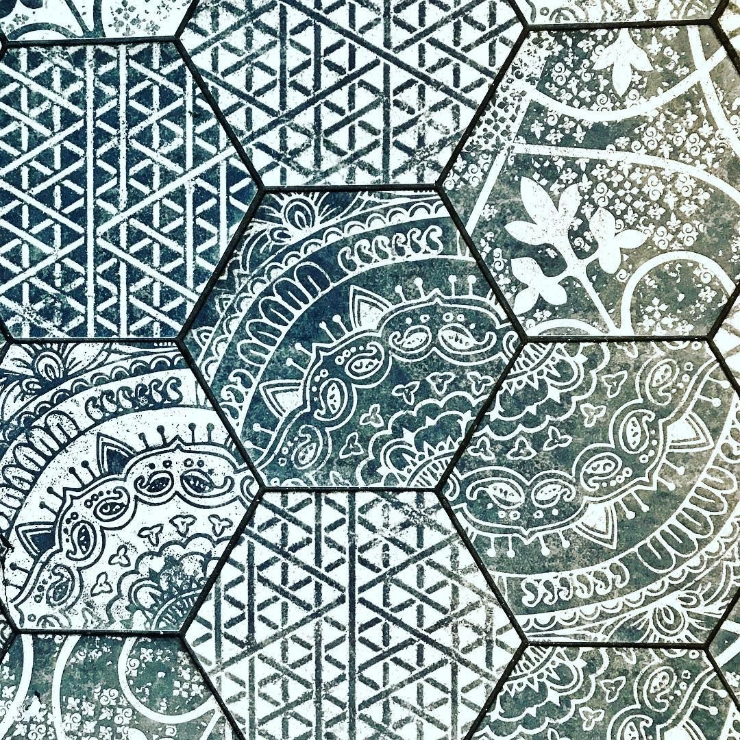 Beautiful Floor Tiles That Look To Have Been Inspired By Traditional Indian Block Prints Print Printm Indian Block Print Beautiful Tile Floor Block Print