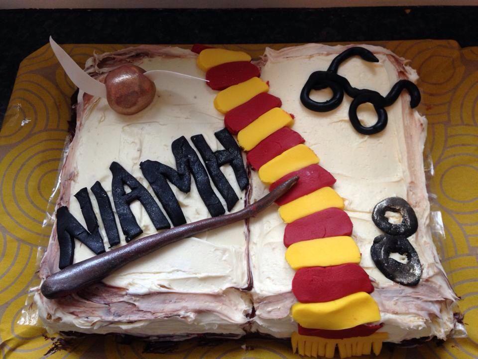 Harry Potter cake vegan Harry potter cake, Harry potter