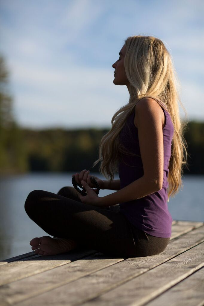 Meditation has many benefits! A steady practice in meditation induces calm, has a positive effect on the nervous system, brain function, and healing process, what Eastern culture has known for thousands of years. Daily practice will bring calm, health and happiness. @grailsprings #Canada  http://healinghotelsoftheworld.com/theme-week/energy-regeneration-program-grail-springs-holistic-retreat-spa/