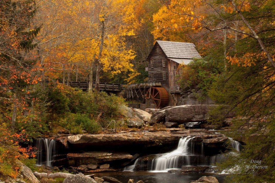 Fall mountain cabin bing images country cabins for Smoky mountain cabins on the water
