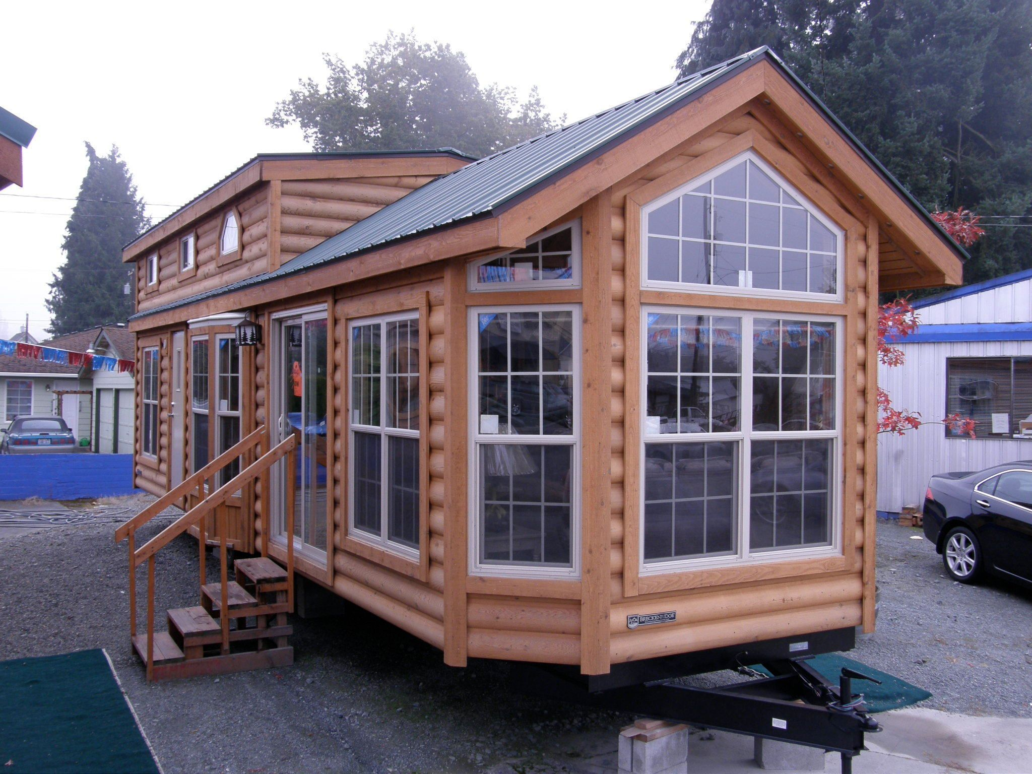 Photos tiny house seattle wa meetup cabins tiny for Cabine a breckenridge