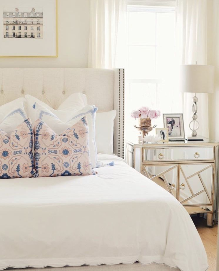 Bright And Bold Guest Bedroom: Guest Bedroom By LOUISA CLASBY On House
