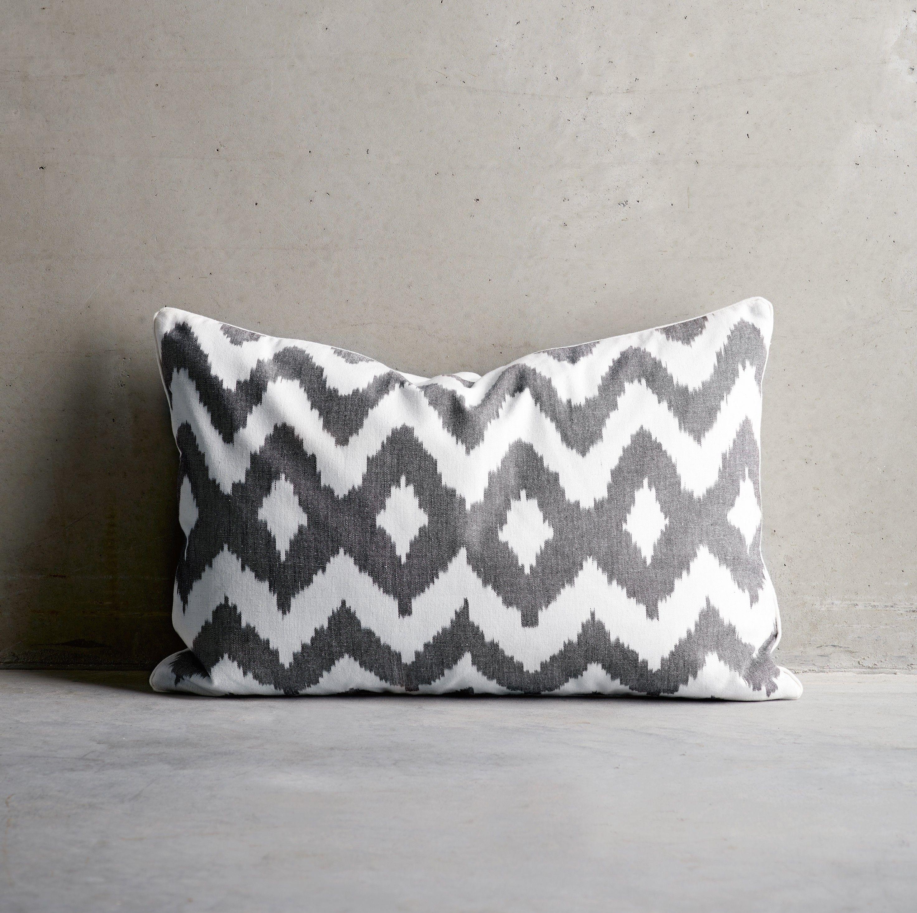 Design Vintage Azul Linen Cushion Tine K Home Blue Linen