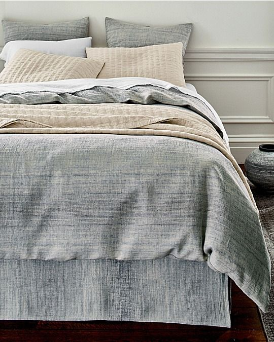 Woven With Yarn Dyed Threads To Give It A Beautiful Distressed Ombre Effect This Eileen Fisher Bedding Is Bol Linen Duvet Covers Linen Duvet Bed Linens Luxury