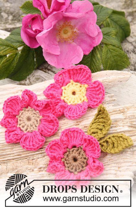 Flor de rosa silvestre DROPS, en ganchillo, en Safran. Patrón ...