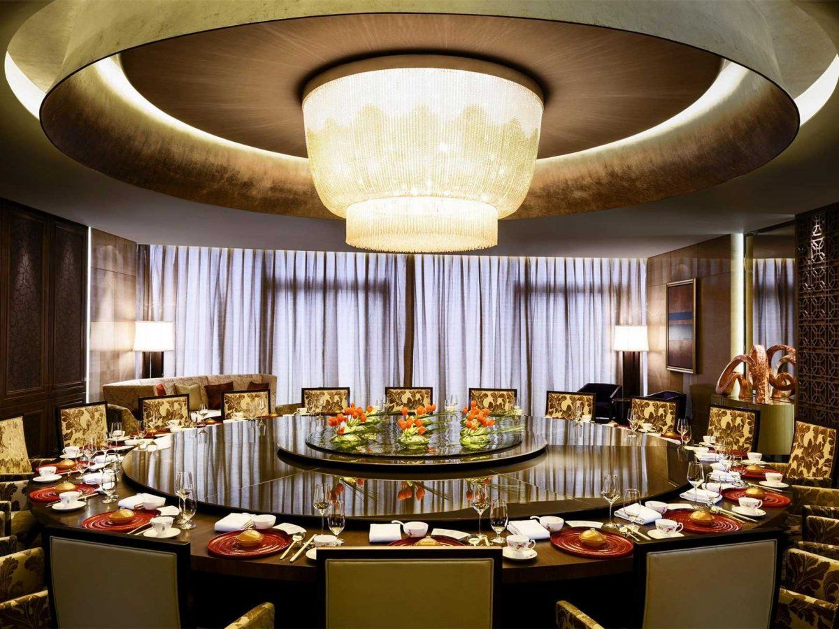 The elegant Yue Chinese Restaurant, which features authentic regional cuisine, can easily accommodate large groups in its private dining room.
