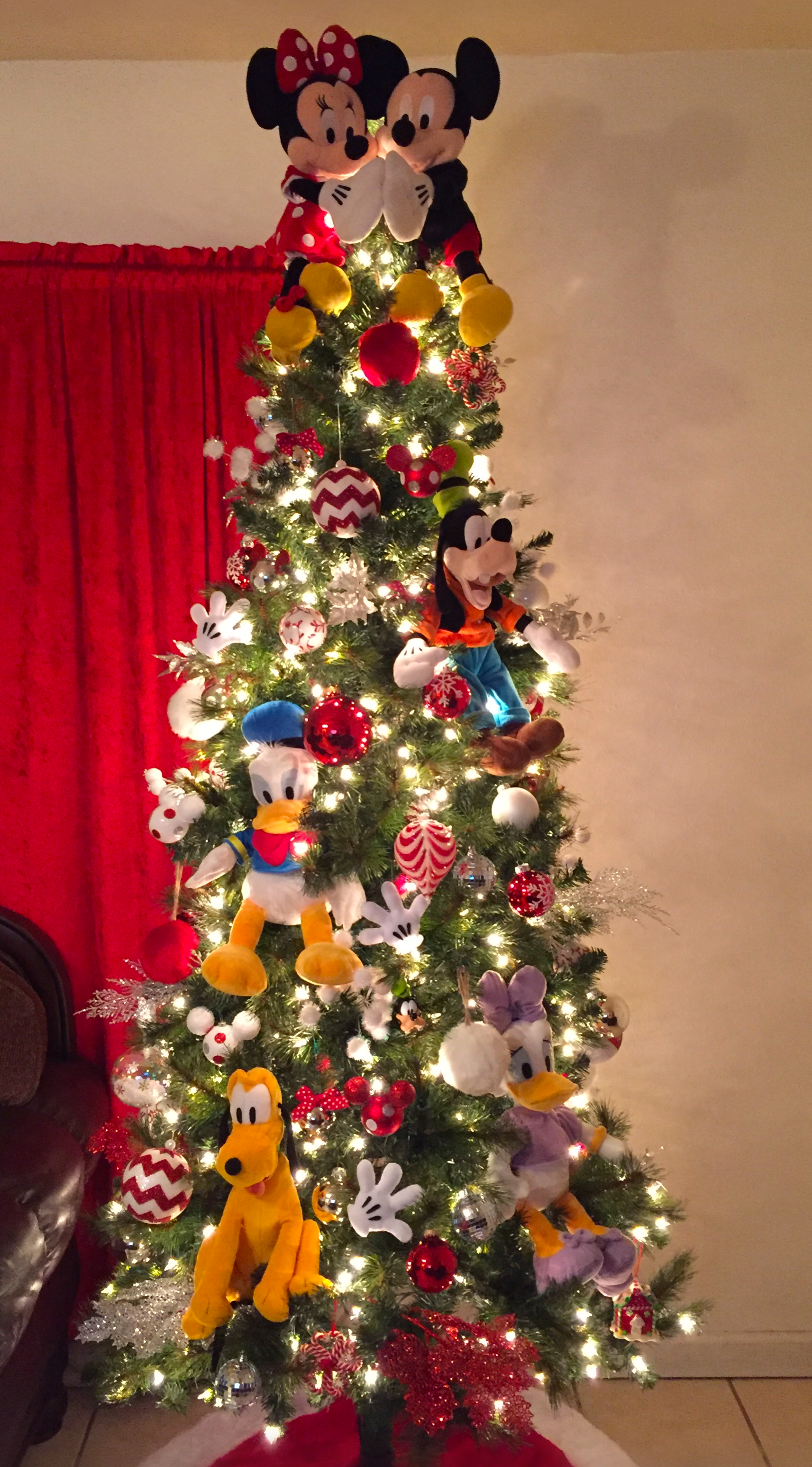 disney christmas tree mickey mouse disney christmas decorations christmas tree themes xmas tree - Disney Christmas Tree