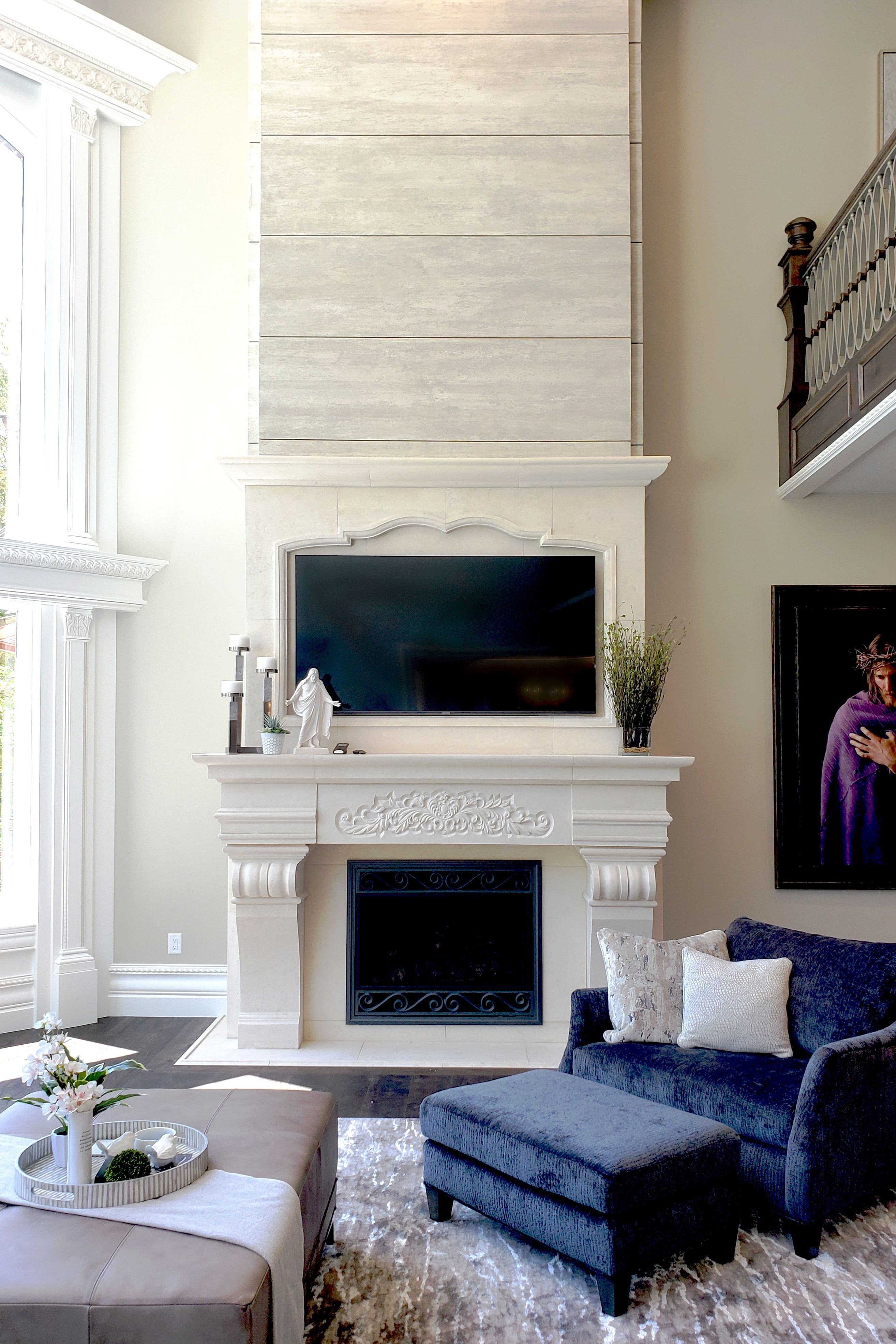 2020 Parade Of Homes Limestone Fireplace In Great Room In