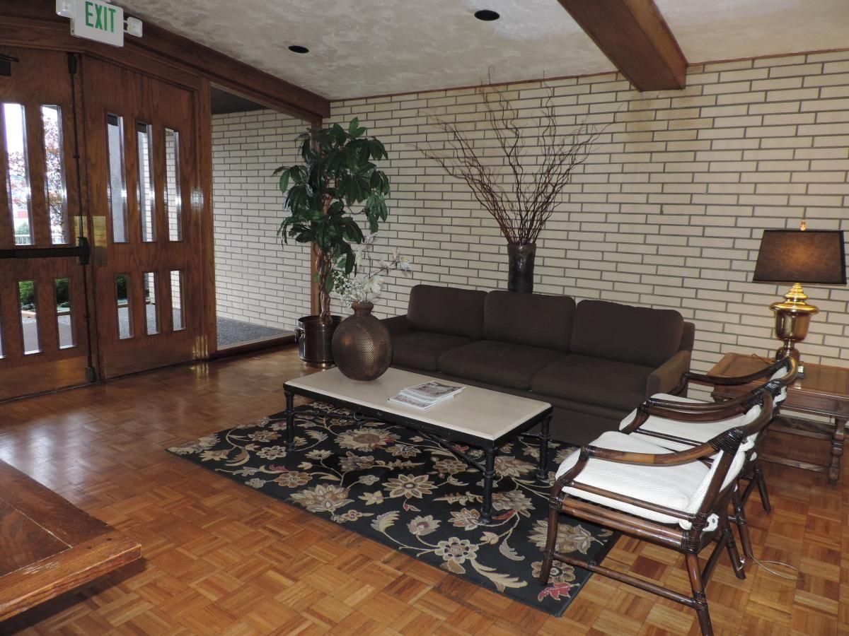 Unfurnished 1 bedroom, 1 bath condo, private enclosed deck
