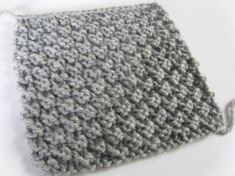 16d5f7e703b2f J'ai découvert un autre point facile au tricot et je l'adore! Pourquoi? De  un, il ne roule pas, donc parfait pour des écharpes.
