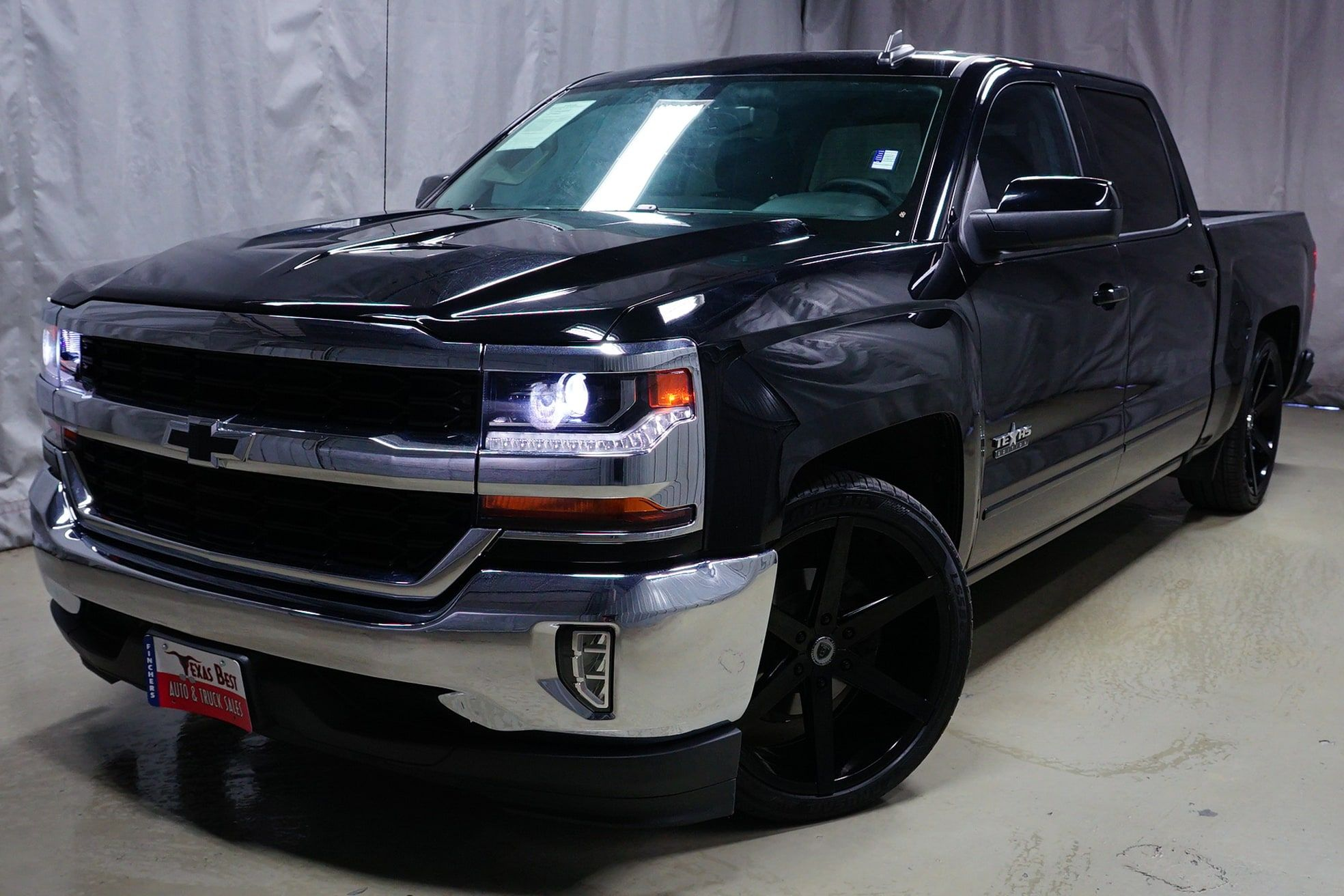 Custom Lowered Truck 2016 Chevrolet Silverado 1500 Lt For