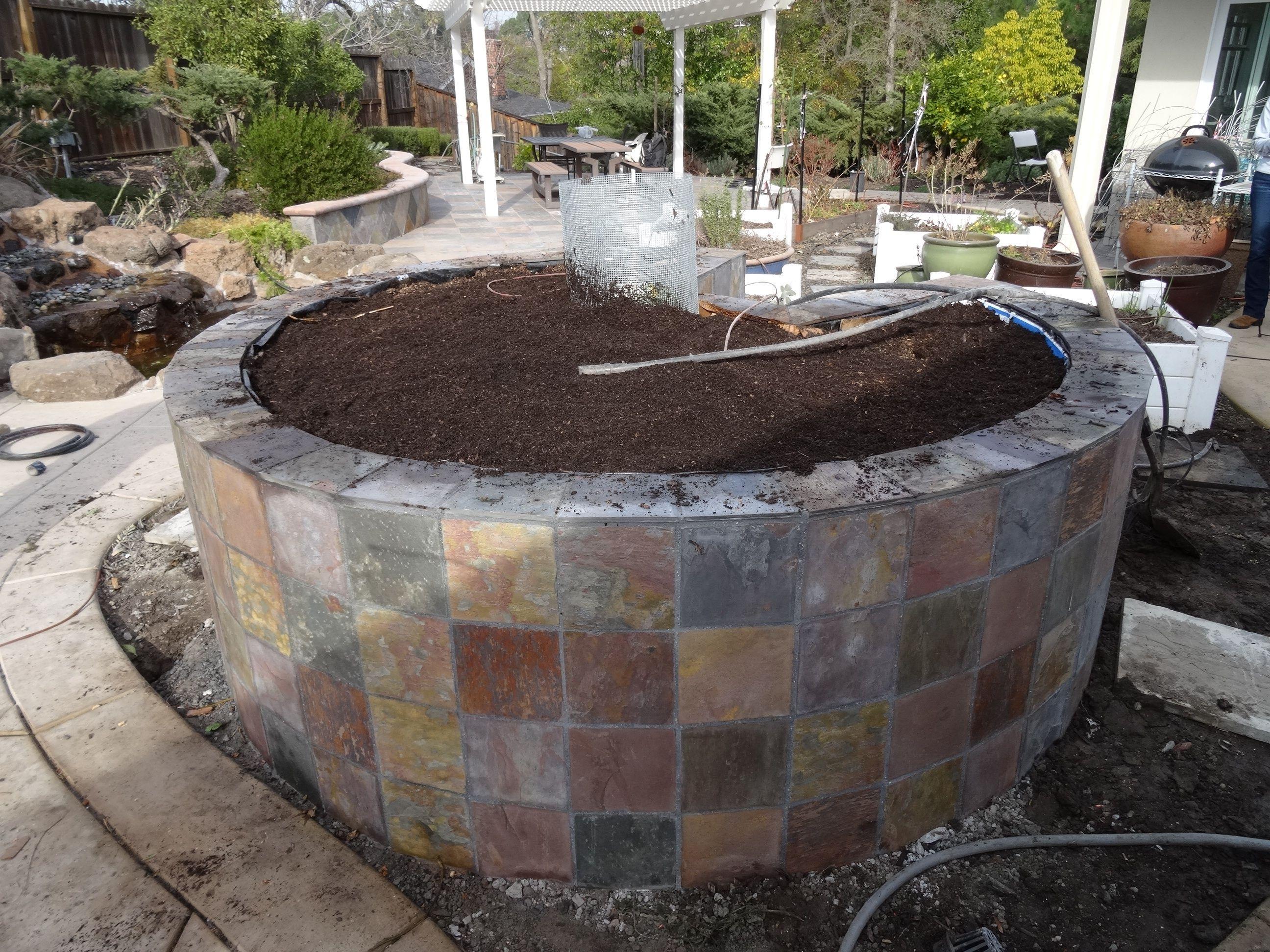 Building an African keyhole garden. Pt 3