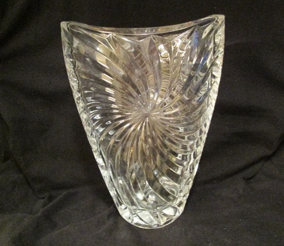 Crystal Vase Mikasa Pinwheel Pattern Heavy Weight Studio