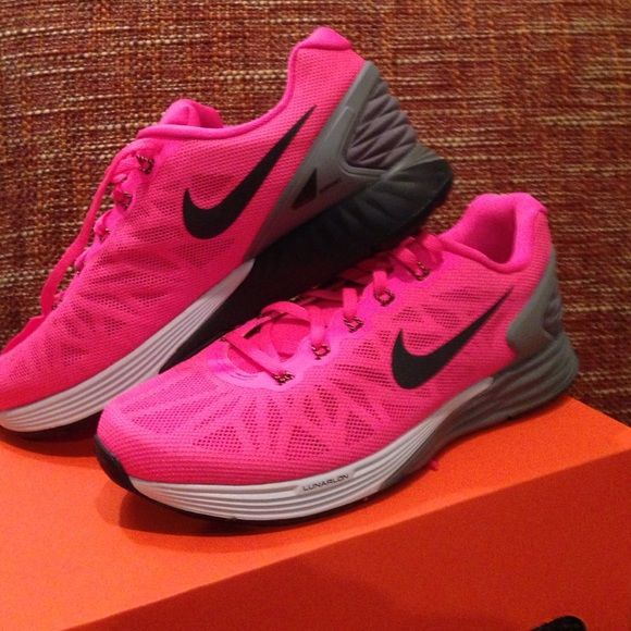 Nike Lunarglide 4  Women's Size 6.5 Running Shoes Coral