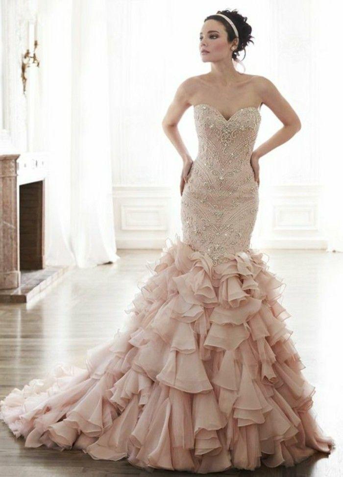Rosa Brautkleid für einen glamourösen Hochzeits-Look   Brautkleid ...