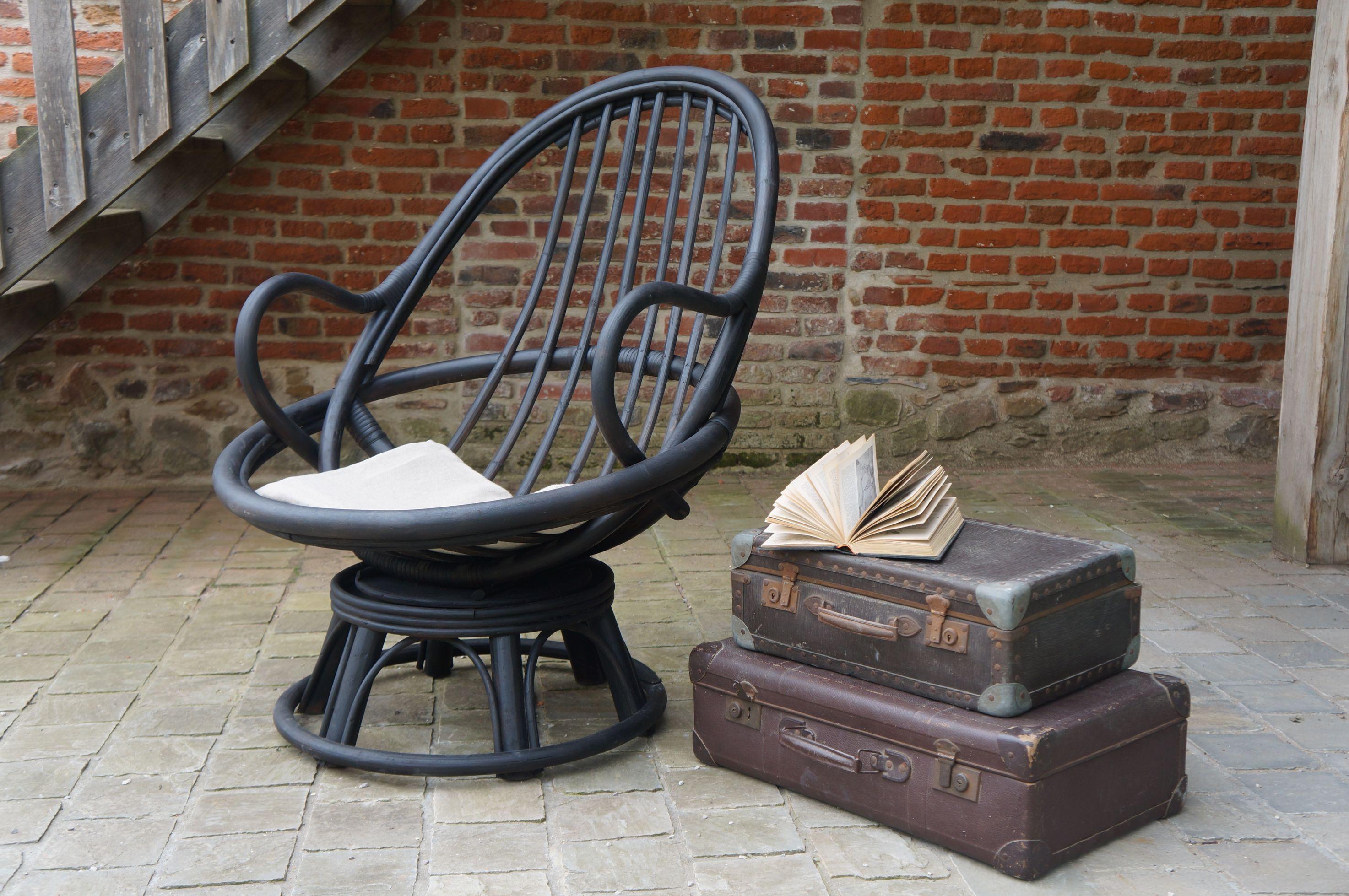 Comment Repeindre Des Fauteuils En Rotin fauteuil-rotin-noir-mat-pivotant-tournant-lille-tournai