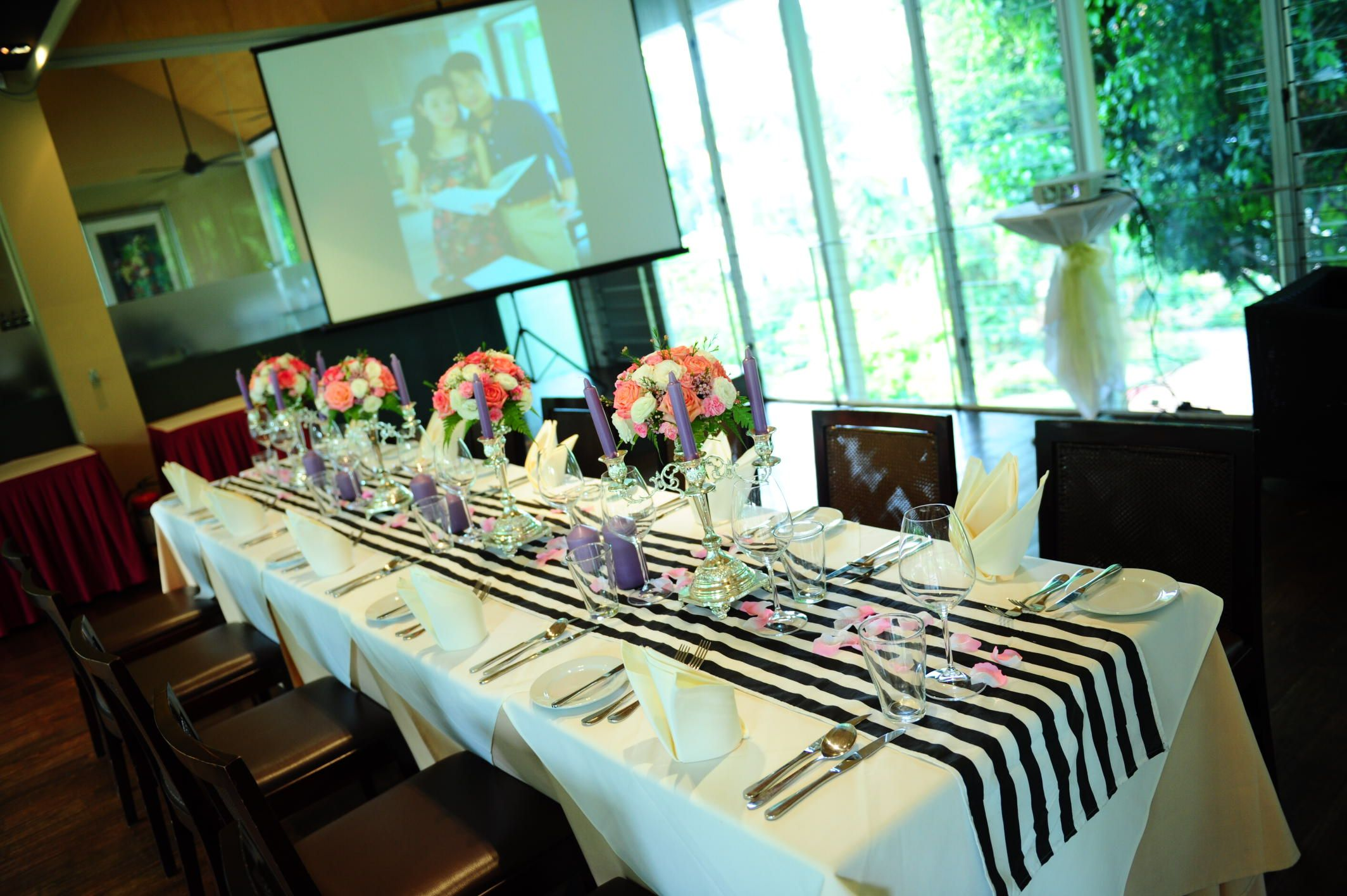 wedding reception photo booth singapore%0A Suburbia Sentosa Wedding Fair  Butterflies and Cakes Singapore  Decor