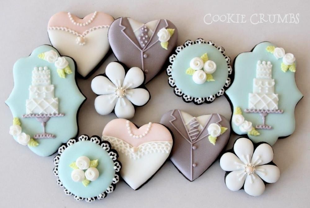 decorated wedding cake cookies wedding themed chocolate cookies with royal icing wedding 13376