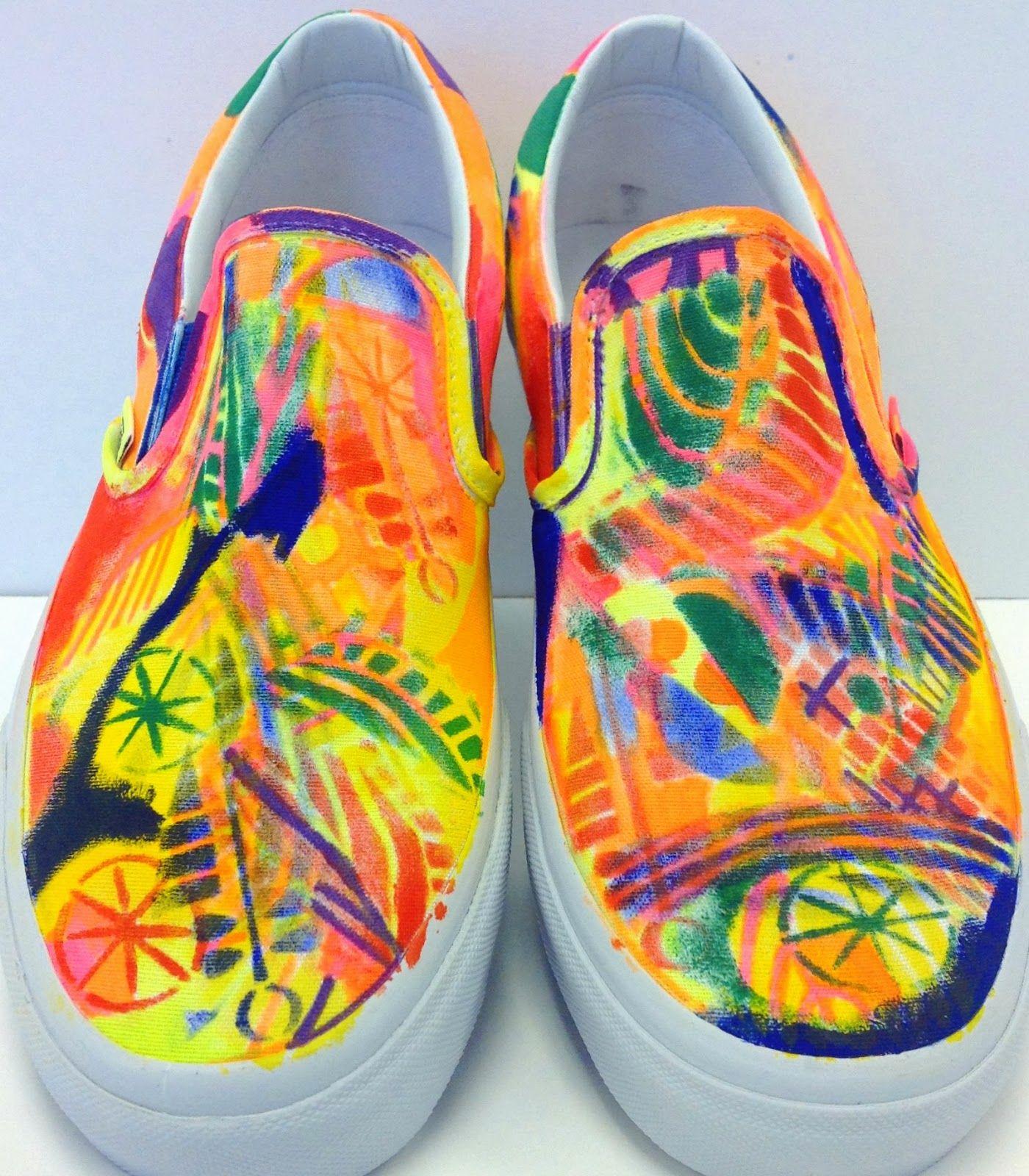 StencilGirl Talk: Stenciling Shoes!