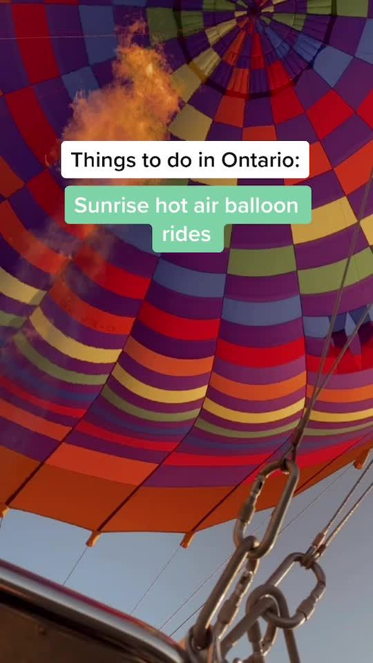 Such a beautiful experience, I definitely recommend 💖 buy ur tickets on Ontariohotairballoonrides.com #blogto #toronto #adventure #fyp #HelloFall