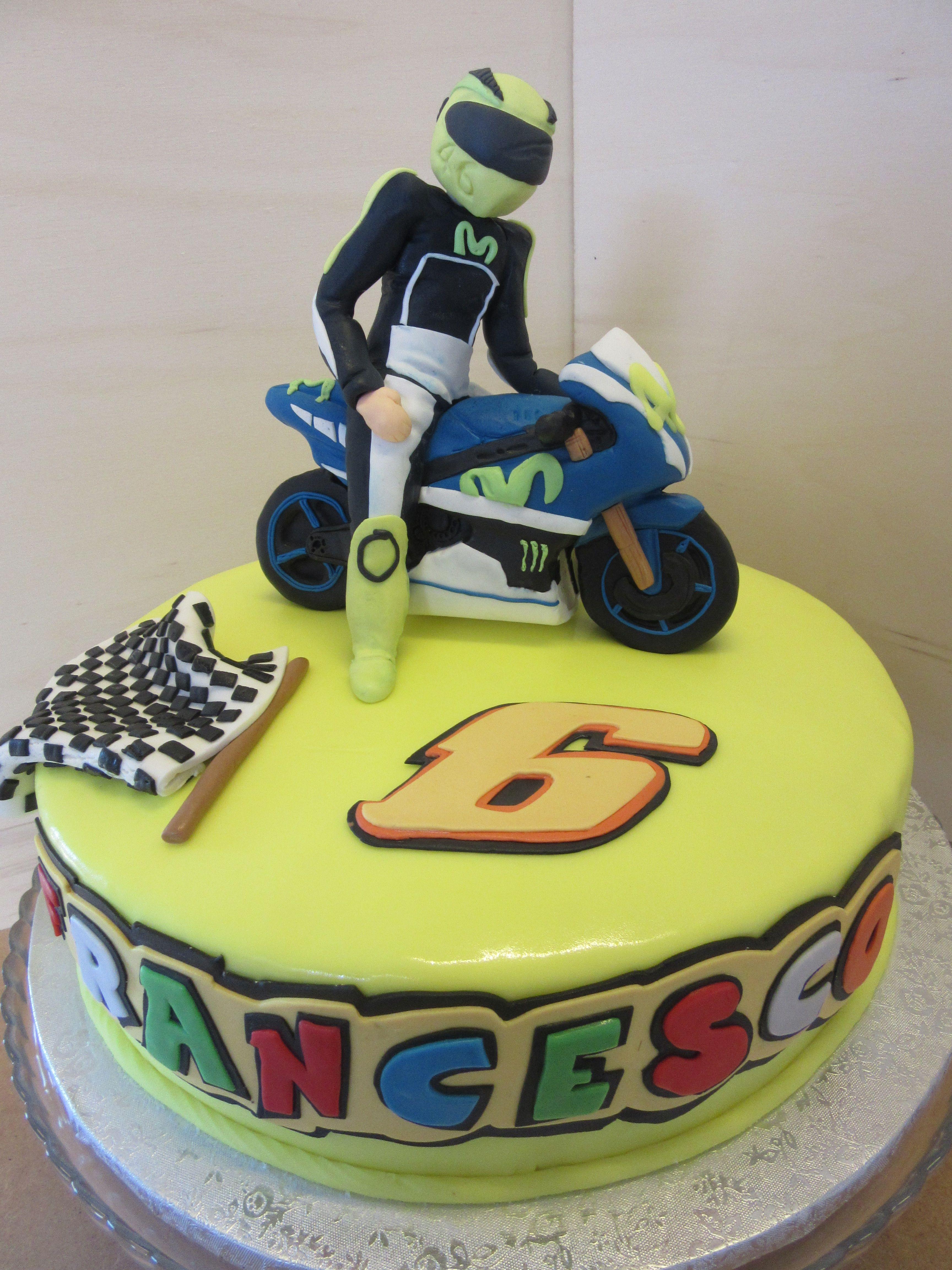 Valentino Rossi Cake ...Made By Gio | cakes | Pinterest | Gateau moto, Gâteau pâte à sucre e ...
