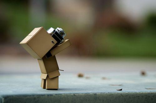 Amazon Box Robot Photographer