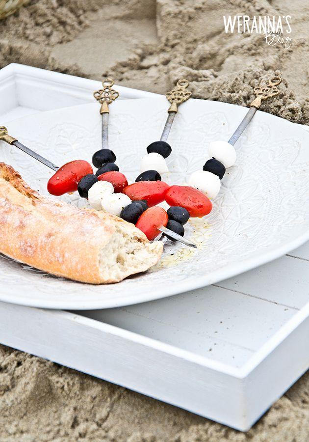 WERANNA'S: Mozzarella salad on skewers - Mozzarellasalaatti vartaissa