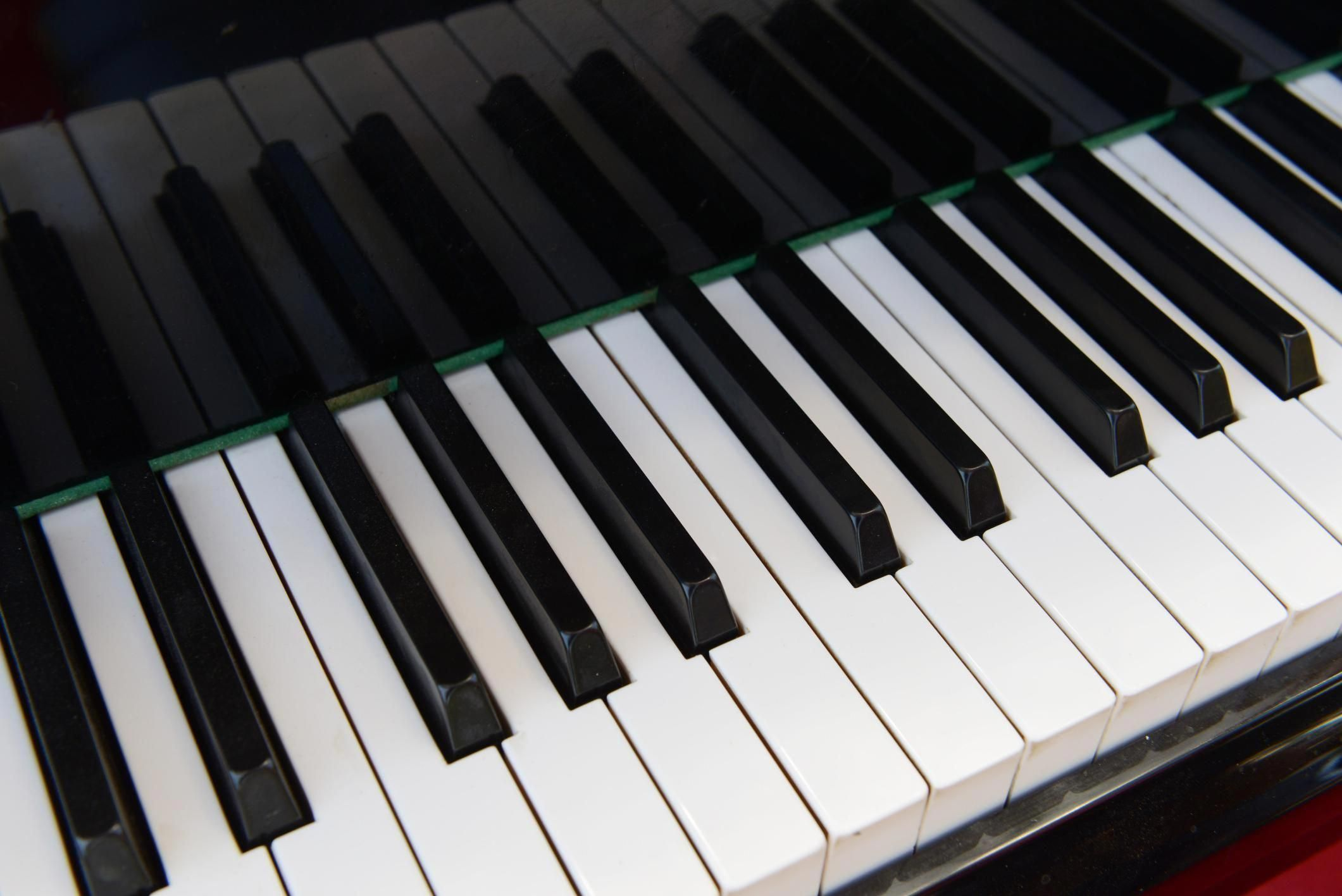 Many people still don't know that they can whiten piano