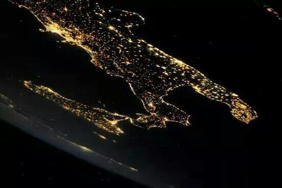 Il sud Italia visto dallo spazio