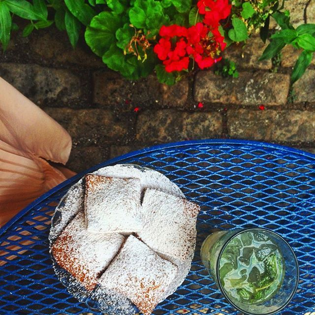 While you're at it with the drinks, I highly recommend indulging in some piping hot beignets @mayfels #asheville #foodie #avlfoodie #avlfood #avldrinks #beignets #summer #gardenparty #instafood #foodgram