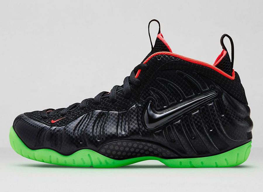 c19b8bab37fd Nike Sportswear Brings Carbon Fiber and Snakeskin to Foamposite ...