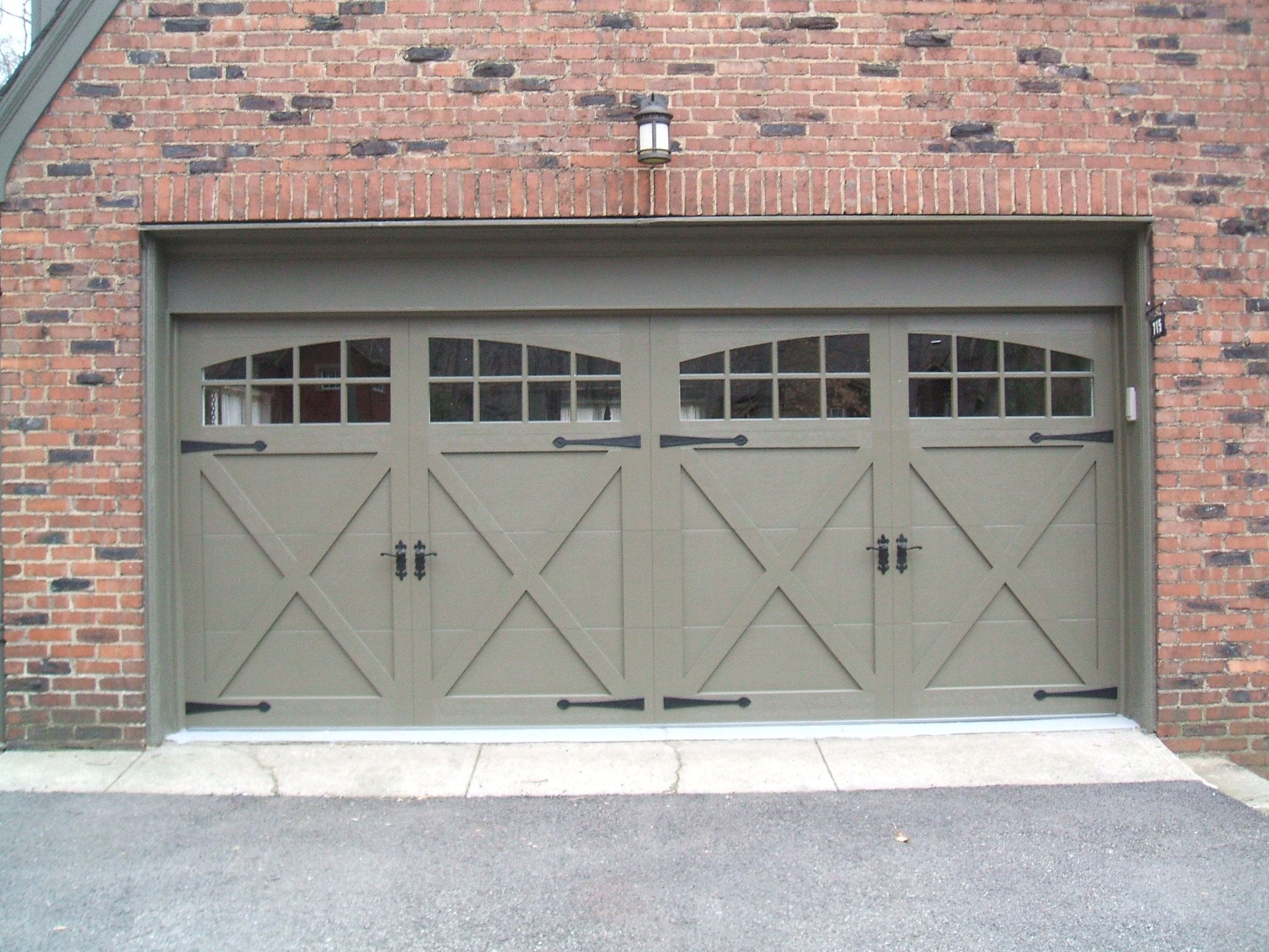 Chi Garage Door Series 5534 Installed By Thomas V Giel Garage Doors