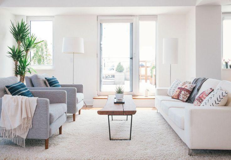 Light & bright living room by Homepolish designer Alison Murray Winkler.  #Alis #havenlylivingroom