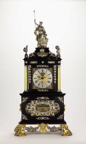 Old mantel clock makers