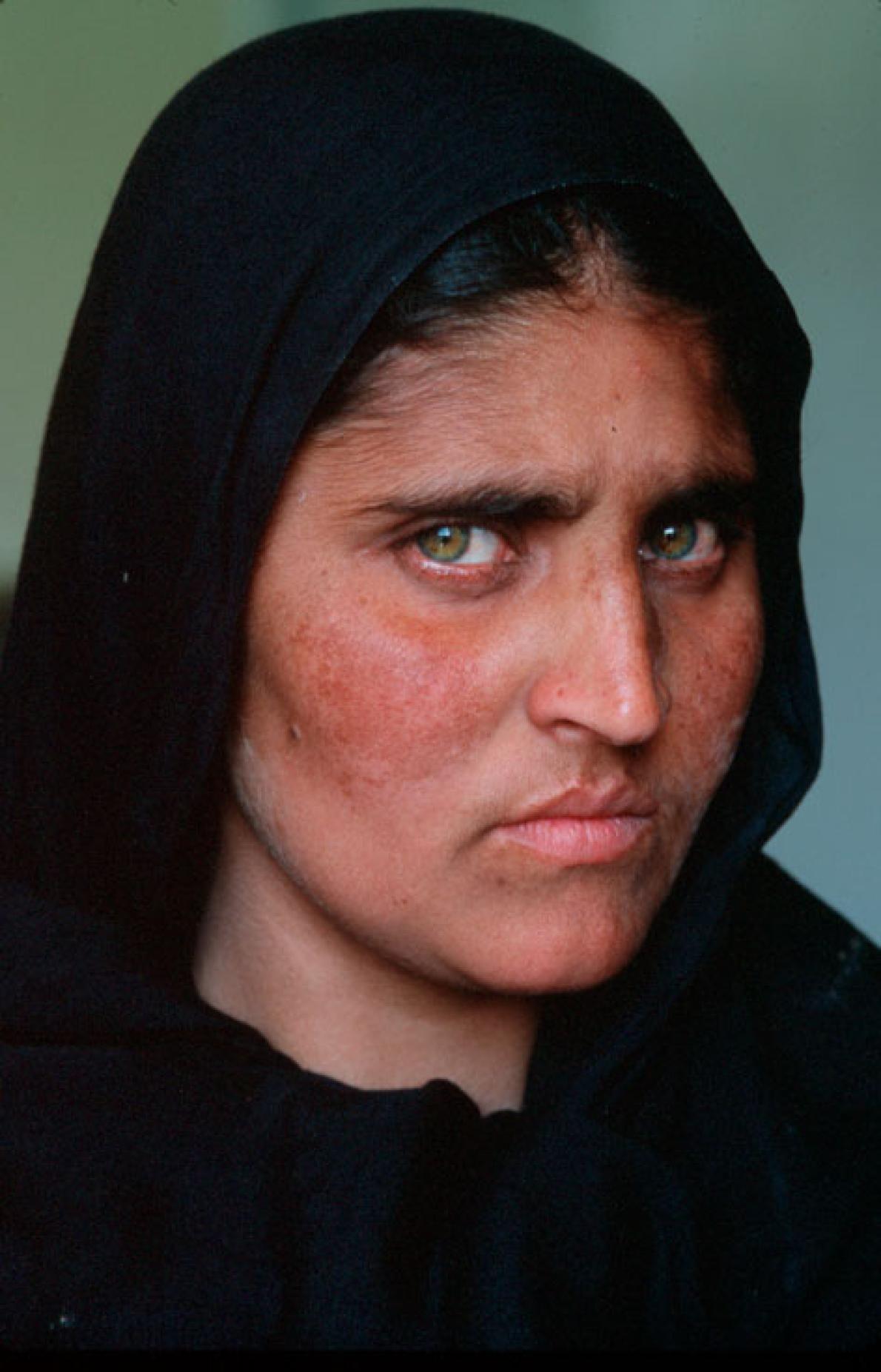 A Life Revealed Steve Mccurry Photos Steve Mccurry Afghan Girl