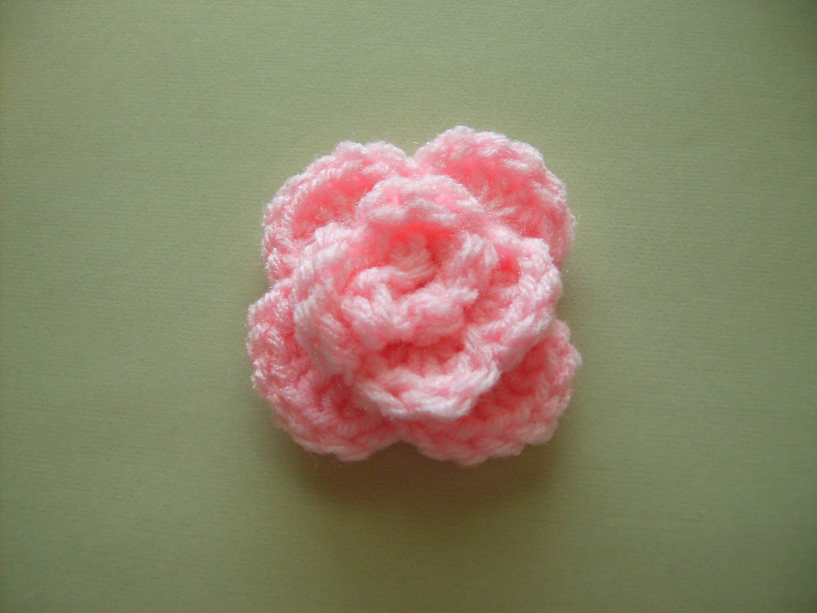 FREE PATTERN- small crocheted rose | ~CrOcHeT PaTTeRnS~ | Pinterest ...