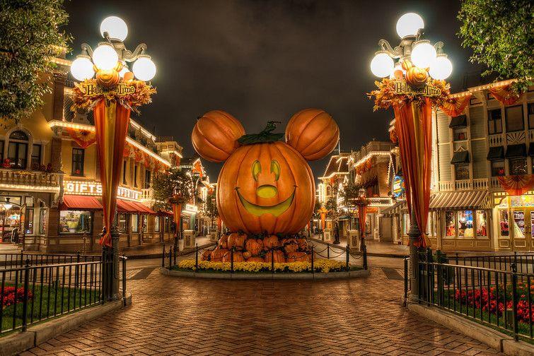 Halloween at Disneyland ♥ Disneyland California Pinterest