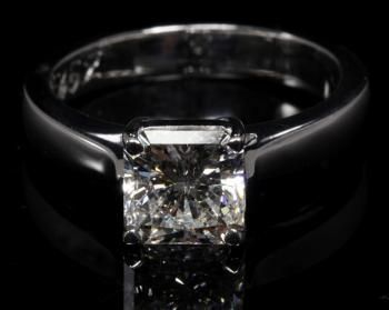 An 18ct white gold diamond solitaire ring | Webb's – New Zealand's Premier Auction House: Fine, Tribal & Decorative Arts, Jewellery, Books, ...
